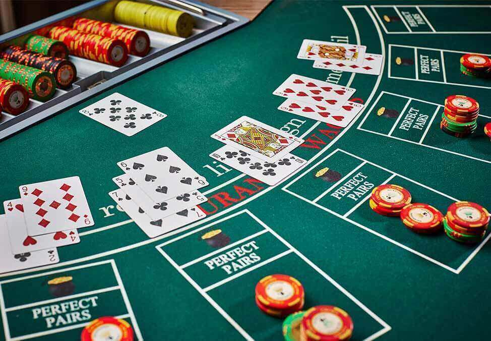 Hundred Consultants About Online Casino